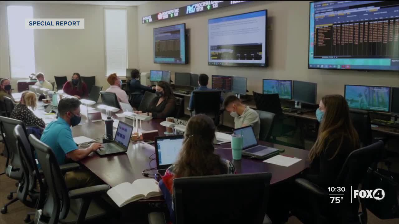 FGCU class allows students to manage hundreds of thousands of dollars